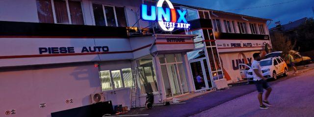 productie publicitara valcea unix piese auto alucobond reclama luminoasa autocolant
