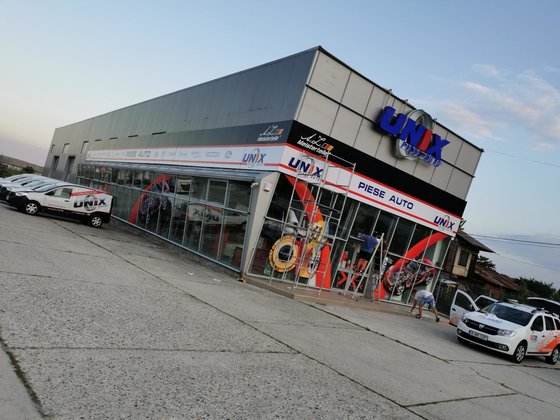 unix piese auto reclame valcea top advertising branding spatiu comercial